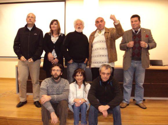 Venancio Méndez y Paco Ibáñez muestran su alegría y contento...